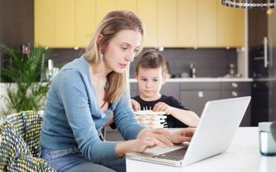 Confinement : quand la vie de famille s'impose à l'entreprise (The Conversation) – Dima Younes & Ludivine Perray